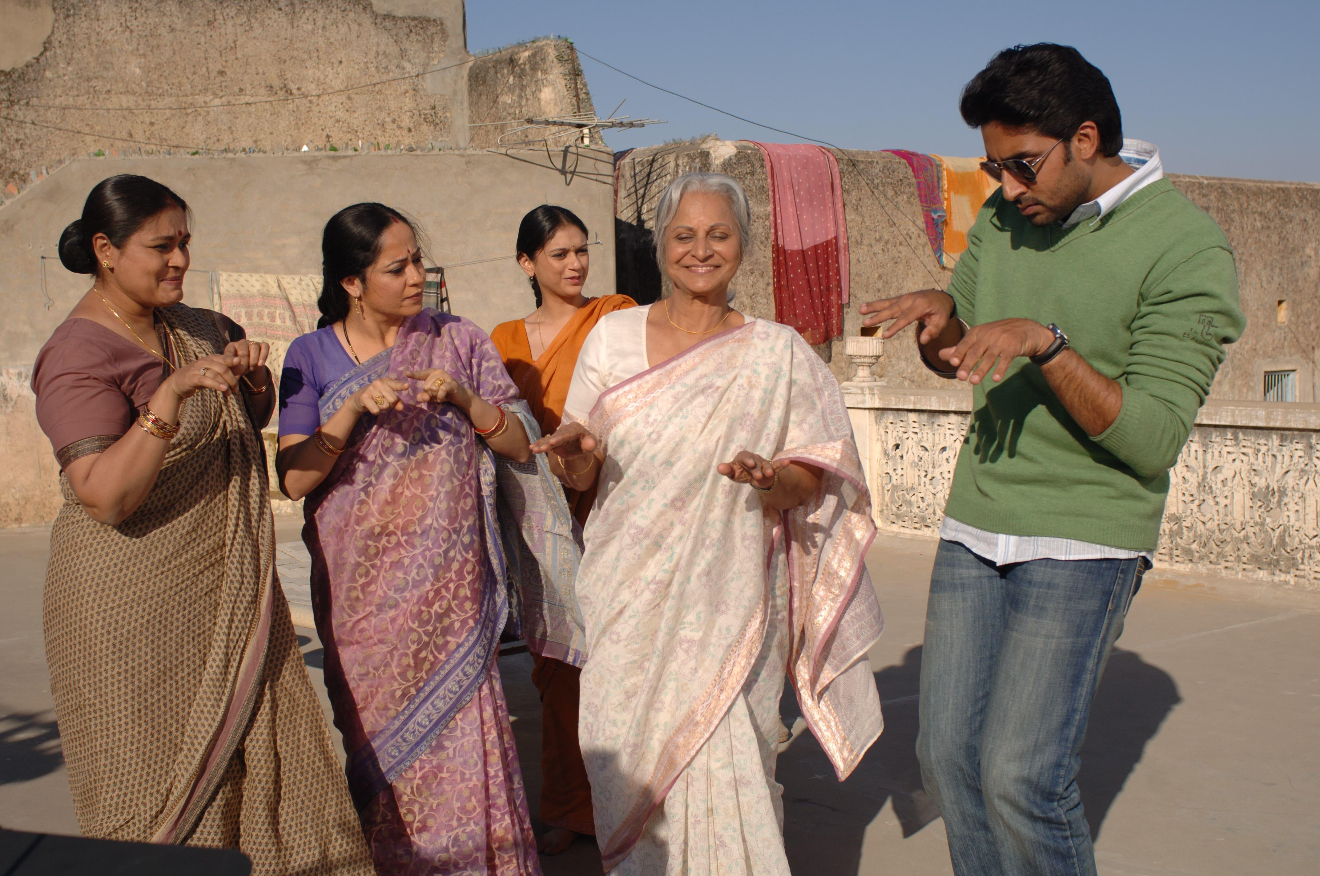 अभिषेक बच्चन नहीं बल्कि ये एक्टर्स निभाने वाले थे फिल्म दिल्ली-6 में लीड किरदार !