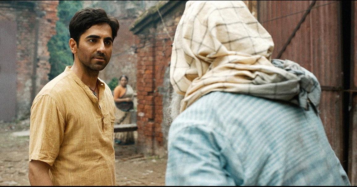 Gulabo Sitabo Review: Amitabh Bachchan And Ayushmann Khurrana Cook Up A Heartwarming, Slice-Of-Life Story