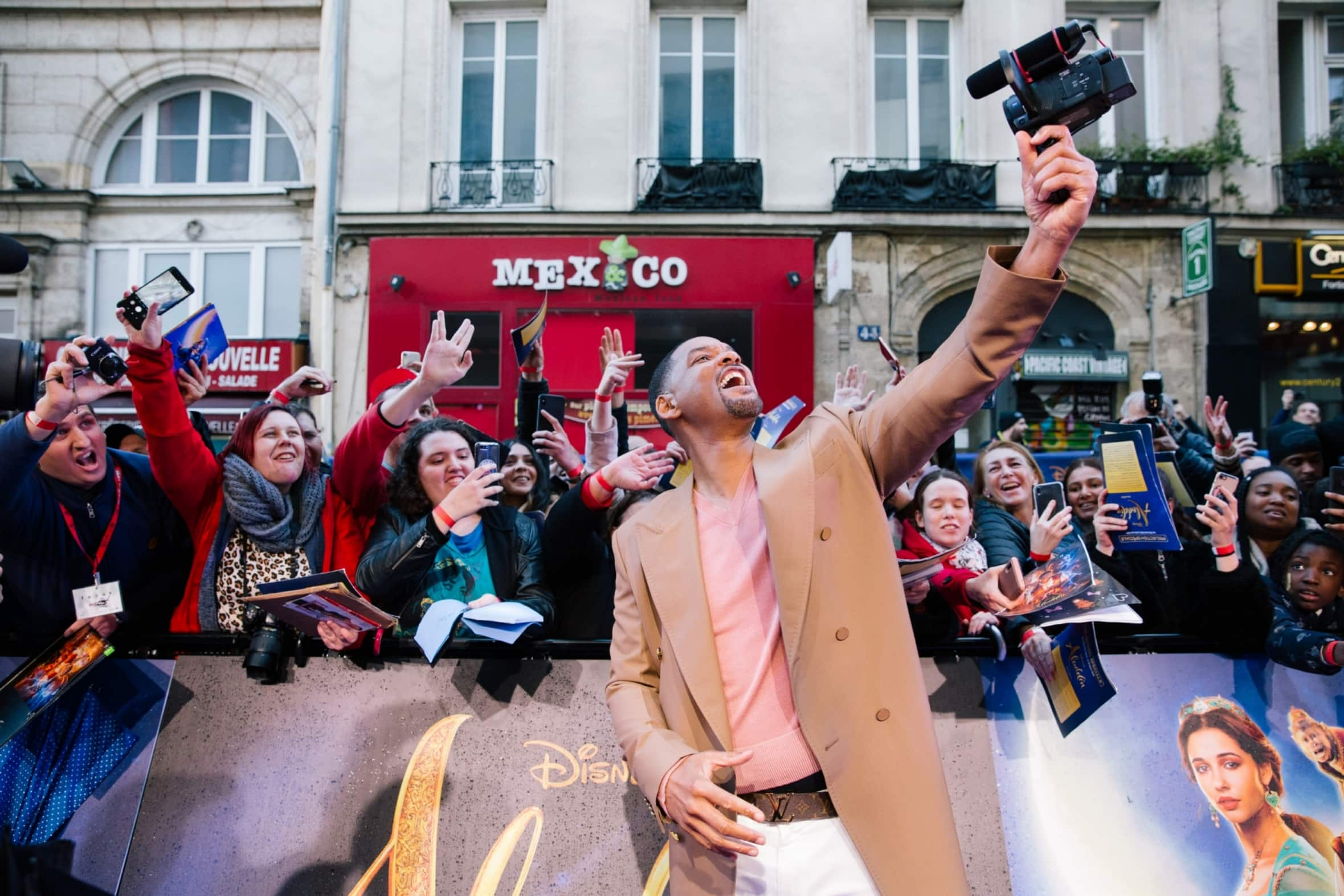 Will Smith Steals The Show At Grand Paris Premiere Of Aladdin!