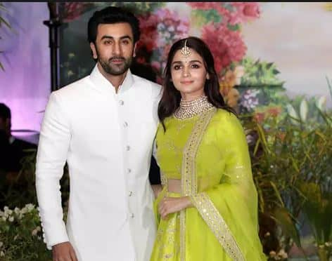 Ranbir Kapoor And Alia Bhatt Are NOT Signing Films Together And Here's The Reason...