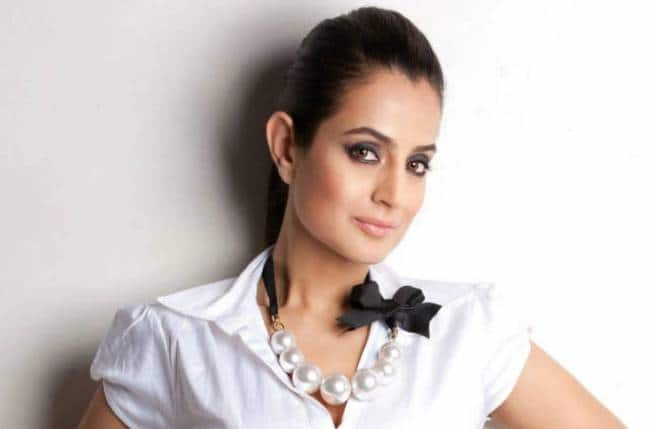 Ameesha Patel To Make Her Bollywood Comeback Soon, Begins The Prep