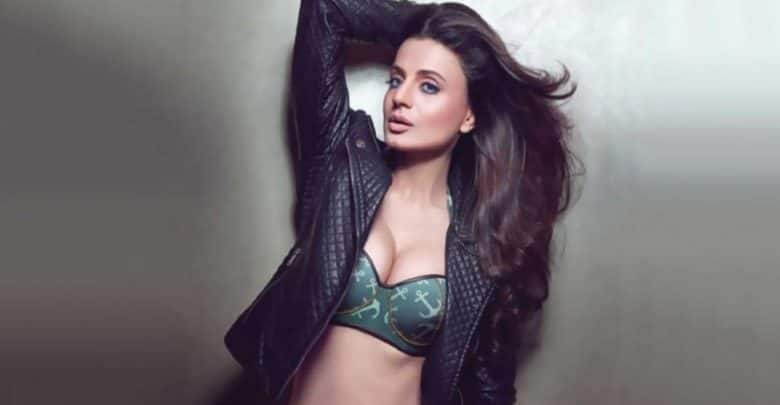 Bigg Boss 13 Maalkin Ameesha Patel Has Warrant Issued Against Her In Cheating And Cheque Bouncing Case