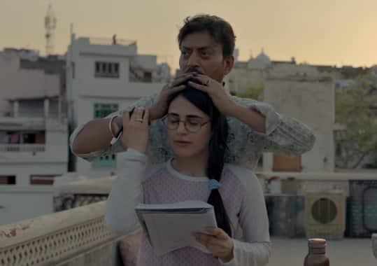 Angrezi Medium Song Laadki: Radhika-Irrfan's Relationship Will Tug At Your Heart Strings; Kareena Looks Ethereal