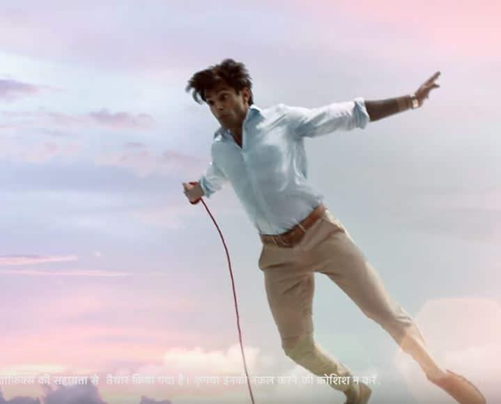 करण सिंह ग्रोवर ने 'मिस्टर बजाज' बनकर ली धांसू एंट्री, देखें वीडियो !