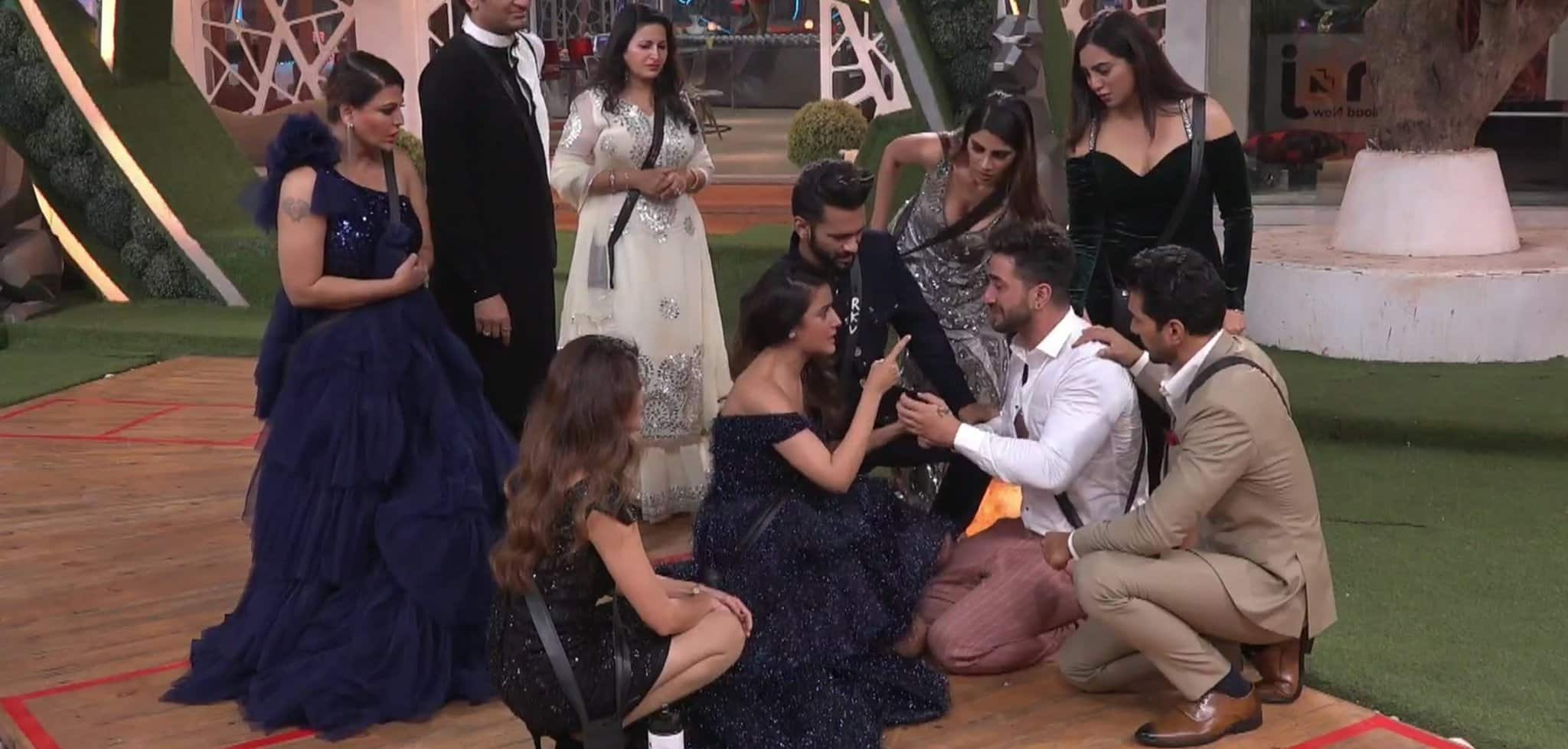 Bigg Boss 14: Jasmin Shares Special Note For Fans; Says 'We Have To Make Aly Lift The Trophy For #JasLy'