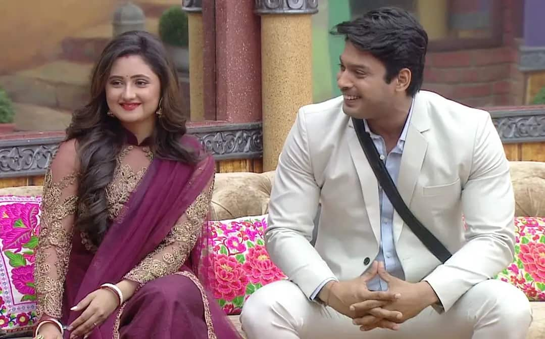 Bigg Boss 13: Siddharth Shukla And Rashami Desai Get Romantic In Bed, But It's Not What You Think