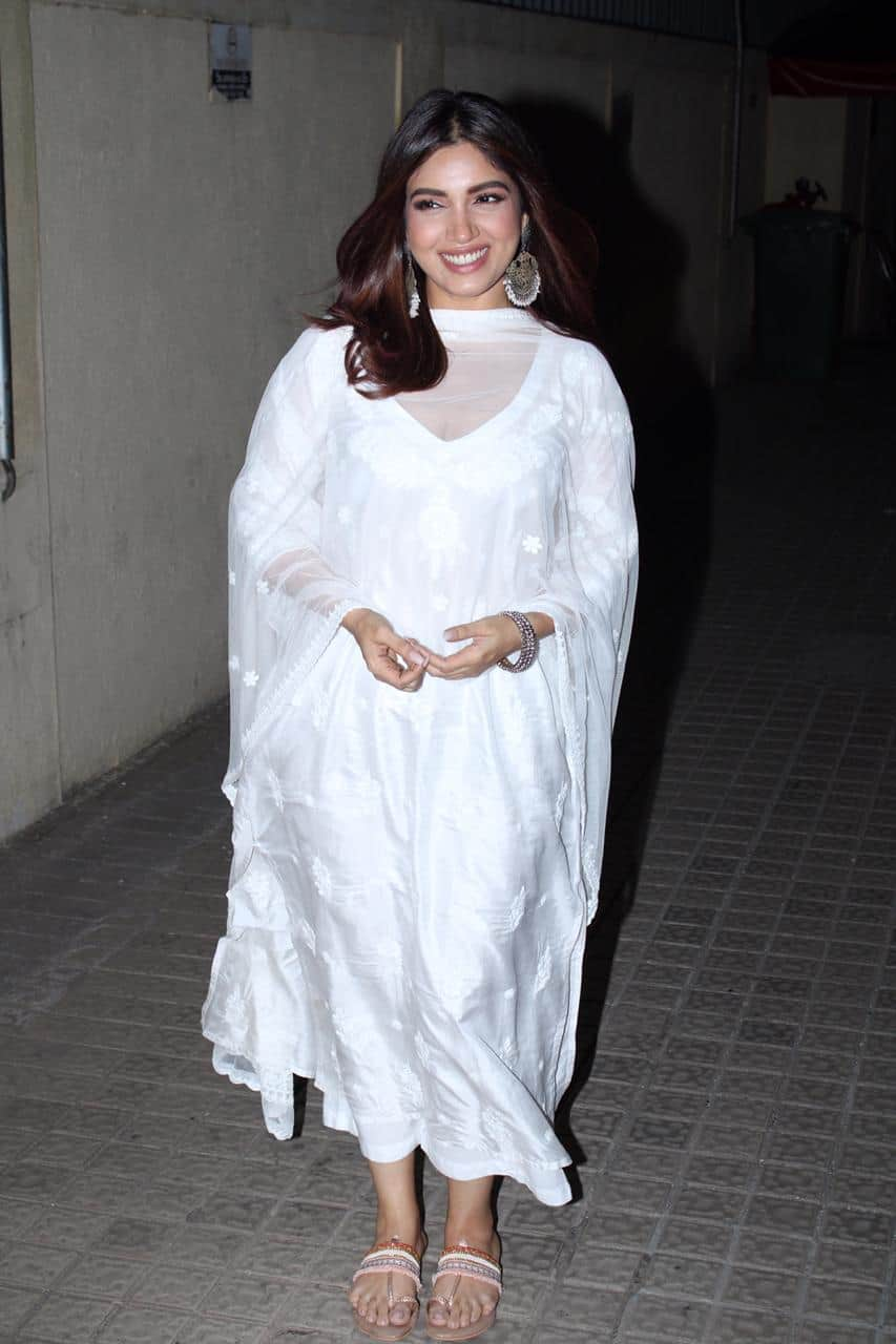 Here's How To Get Bhumi Pednekar's Ethereal White Desi Look