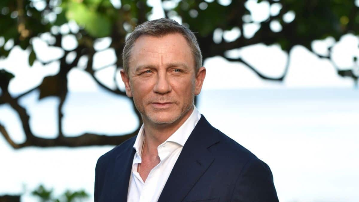 An Explosion On The Sets Of Daniel Craig's Bond 25 Leaves On Person Injured