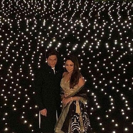 You Have Zero Reasons To Miss These Gorgeous Pictures From Shah Rukh Khan's Diwali Bash