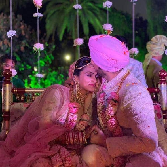 TV Actor Puru Chibbar Ties The Knot With Childhood Friend And Photographer Roshni Banthia