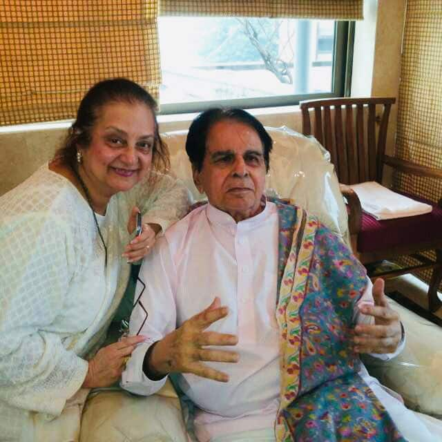 Dilip Kumar's son might have looked like Shah Rukh Khan felt wife Saira Banu, here's why the couple never had kids