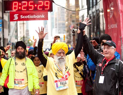 Mary Kom Director Omung Kumar To Make A Biopic On The Oldest Marathoner Fauja Singh, Film To Go On Floors In Mid 2021