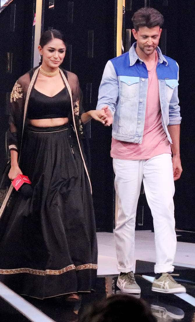 Hrithik Roshan Reveals He Cleaned The House To Get Pocket Money His Co-Star Mrunal Thakur Polished Her Dad's Shoes
