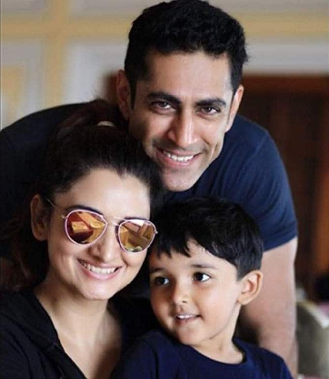 Mother's Day 2020: TV Actors Chetan Hansraj And Tarun Khanna Salute Their Wives For Being Exceptional Moms