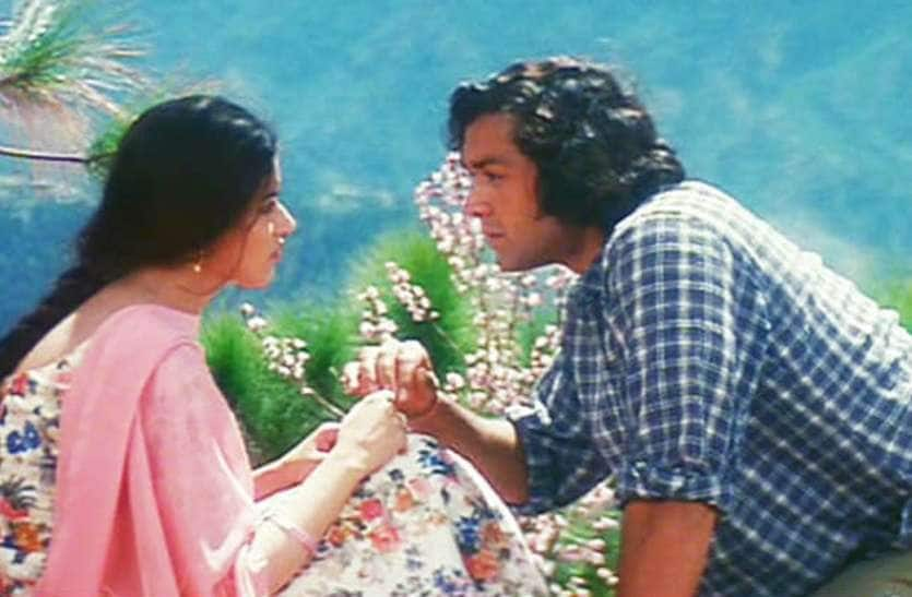 करीब के 22 साल ट्रिविया : डायरेक्टर विधु विनोद चोपड़ा की लव स्टोरी पर बेस्ड थी बॉबी देओल और नेहा की ये फिल्म