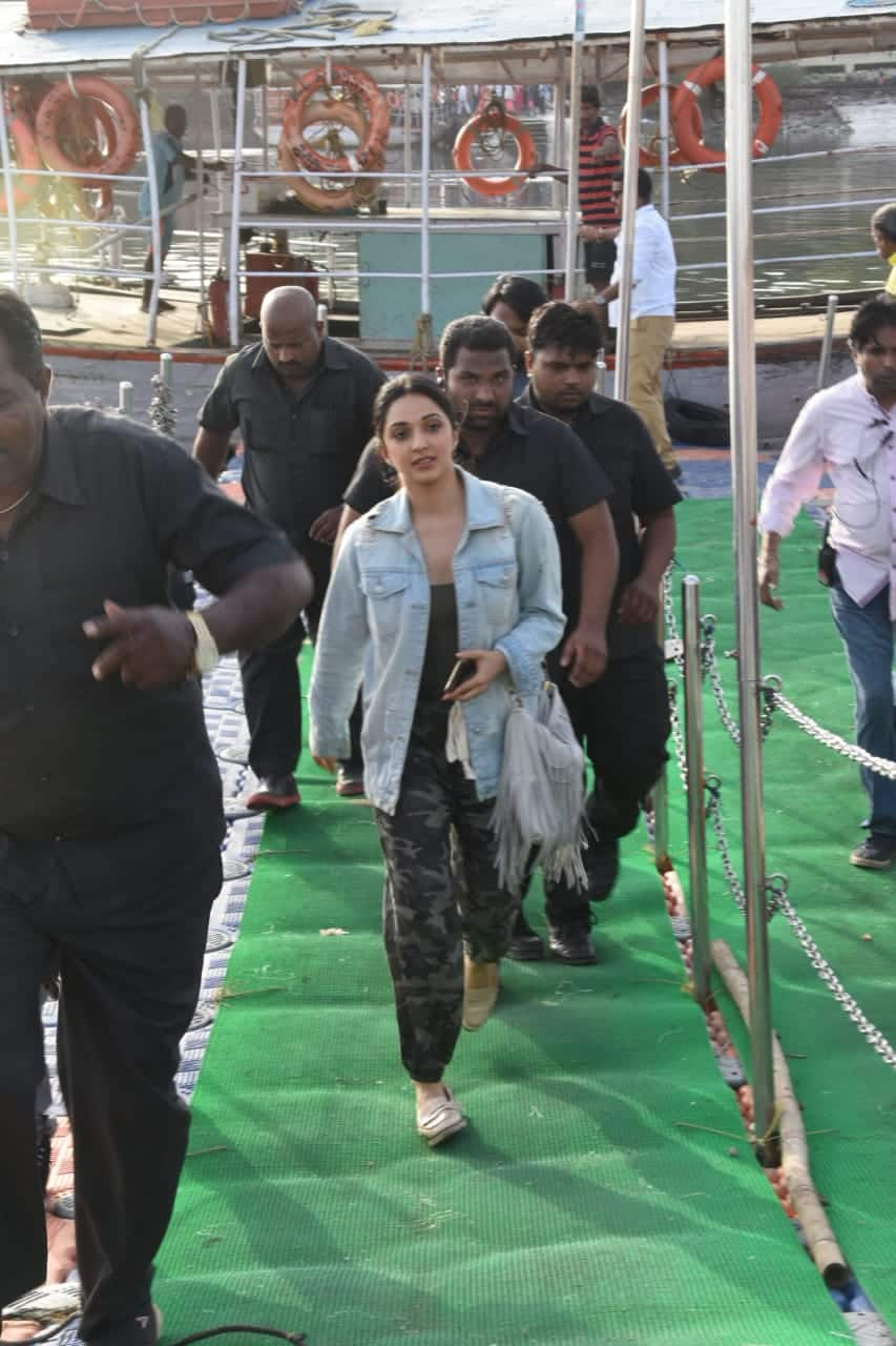 Kiara Advani's Casual Chic Can Just Become Your Wardrobe Staple