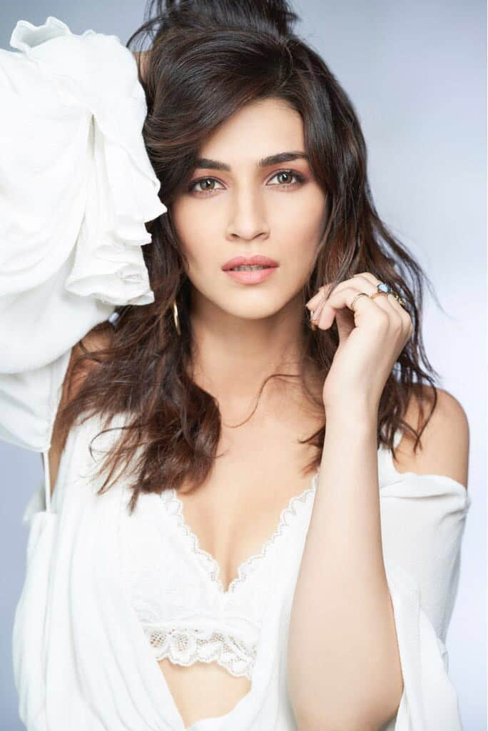 Kriti Sanon Wishes To Work With Salman Khan, Admits Being A Hrithik Roshan Fan