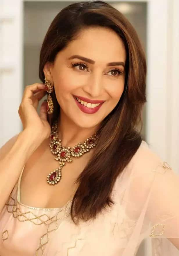 Happy Birthday Madhuri Dixit: Preity Zinta, Mouni Roy And Other Celebs Pour In Wishes For The Queen Of Hearts
