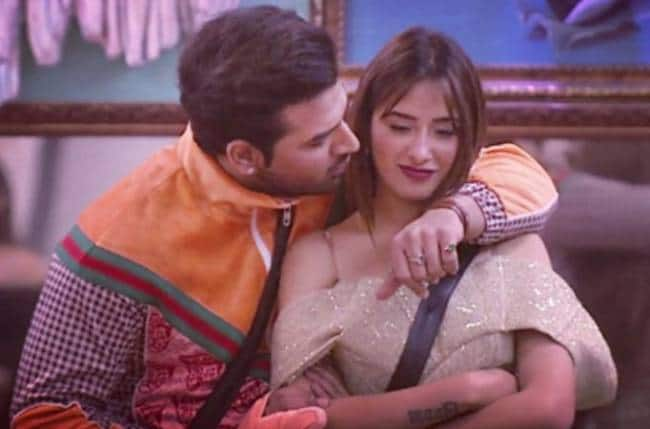 Bigg Boss 13: Paras Chhabra's BFF Mahira Sharma Becomes The Latest Contestant To Get Evicted From The Reality Show