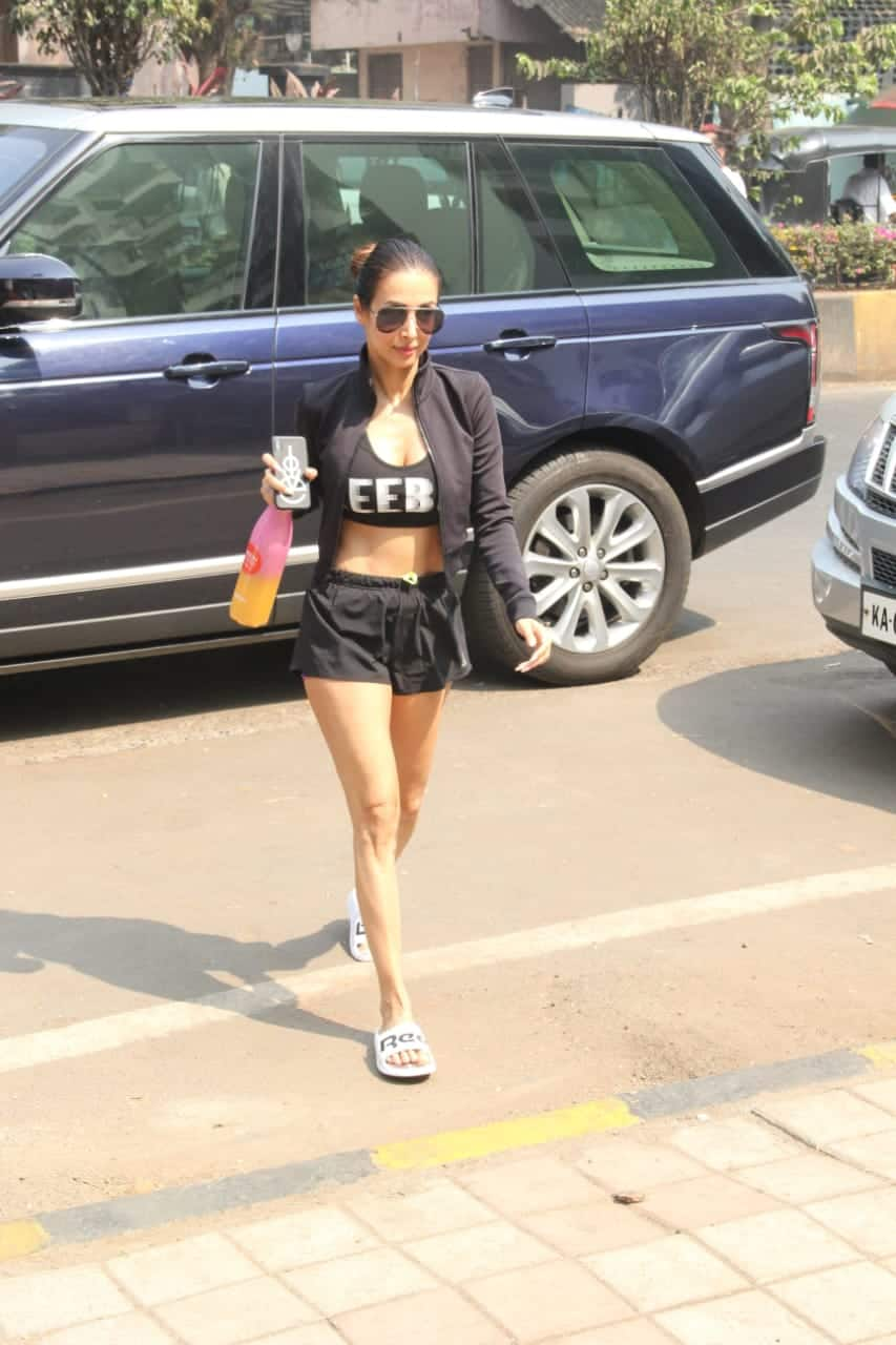 Malaika Arora's Hot Workout Attire Will Inspire You To Hit The Gym; Get The Look