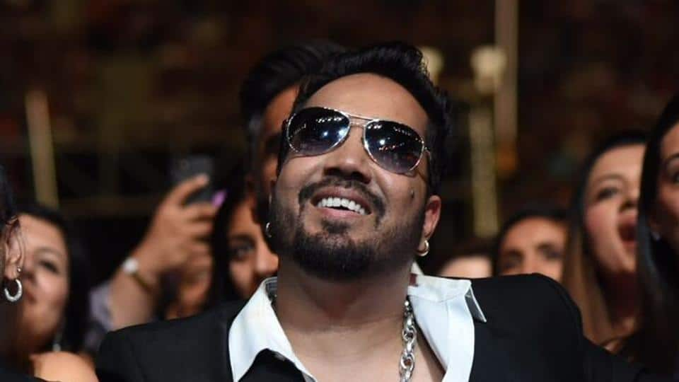 Mika Singh Performs At A Wedding In Karachi After Artcle 370 Gets Abolished, Sparks Social Media Outrage