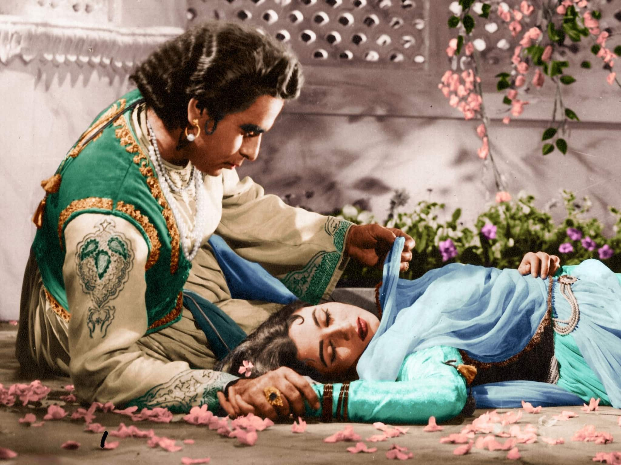 Mughal-E-Azam's Screenplay Enters Oscars Library In Hollywood On 60th Anniversary