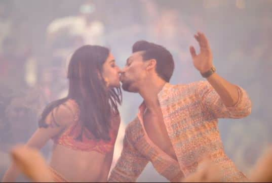 WATCH: Student Of The Year 2 Song Mumbai Dilli Di Kudiyaan Is So Pointless That We Can't Even!
