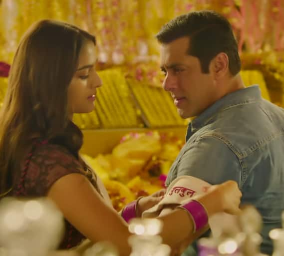 Dabangg 3's Naina Lade Song: Salman Khan's Love For Saiee Might Be Innocent, But He Has Got The Swag!