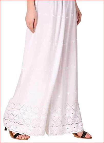 Here Is How You Can Re-Create Janhvi Kapoor's Classic And Fuss Free White Salwar Kameez Look