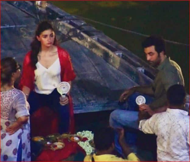 Ranbir Kapoor And Alia Bhatt Shoots On A Boat In Varanasi For Brahmastra