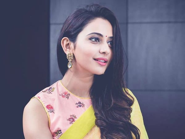 Rakul turned Became A Tour Guide In Ukraine