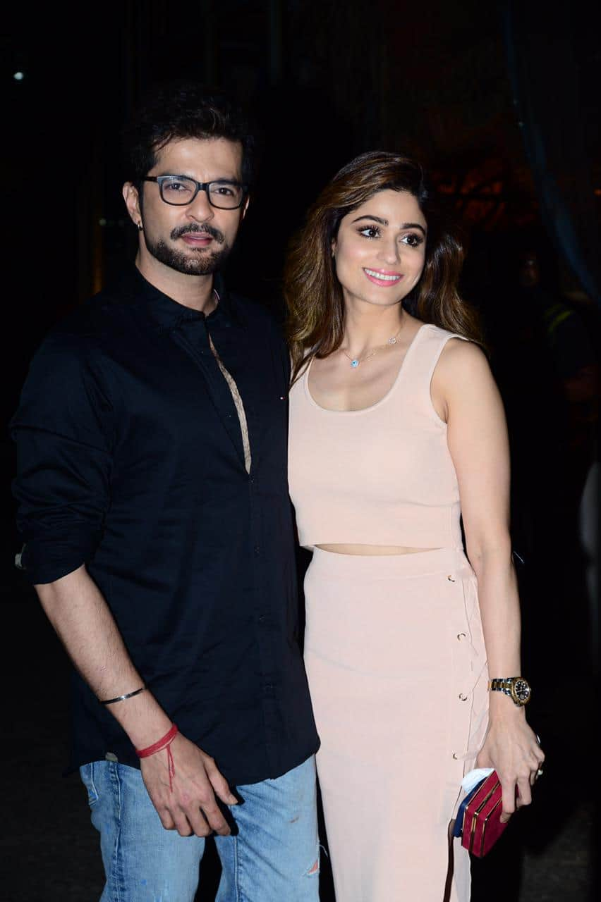 Shamita Shetty and Raqesh Bapat poses for the cameras post their dinner date; actress to be seen on Bigg Boss 15 next