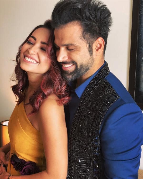 Asha Negi Says She Has 'No Hard Feelings' Against Ex Rithvik Dhanjani, Asks Fans Not To Judge Them For Their Break Up