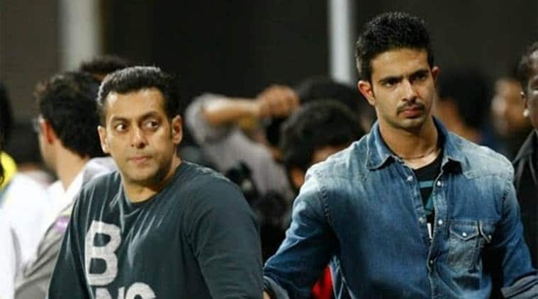 Salman Khan Is All Set To Launch His Bodygaurd Shera's Son Tiger Into Movies, Reading Scripts For Him