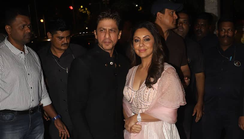 Shah Rukh Khan Jumps To Save Aishwarya Rai Bachchan's Manager From Fire, Sustain Injuries