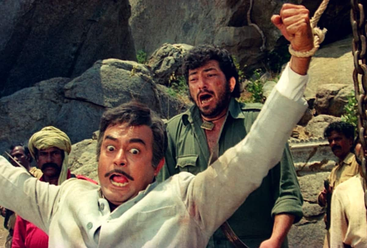 Throwback: Sholay's Climax Was Nothing As Decent For Gabbar As We Saw In The Movie; Watch The Original Ending Here