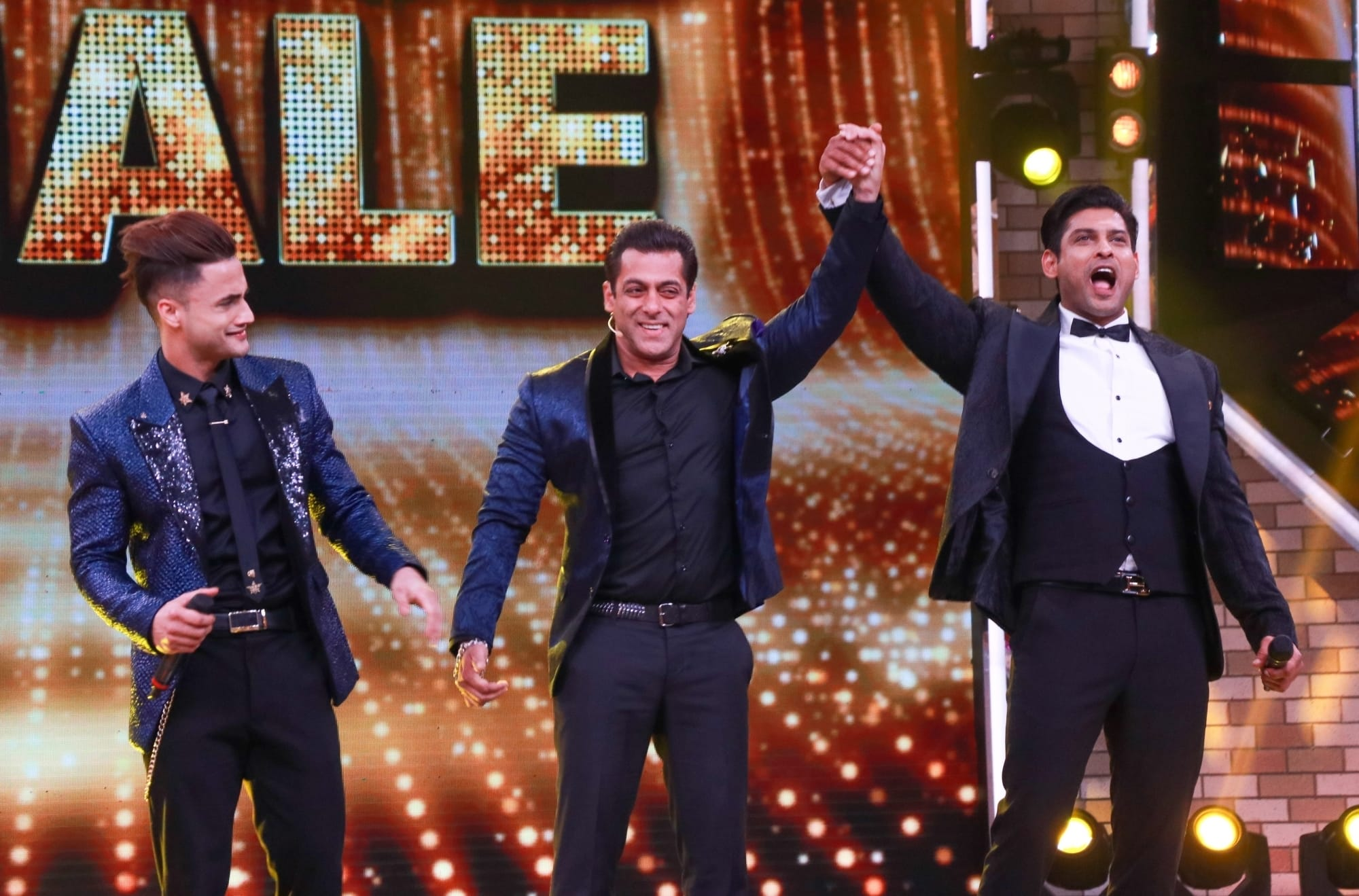 Bigg Boss 13: Viral Video From Control Room Reveals Asim Riaz, Sidharth Shukla Received Equal Votes On The Finale; Watch