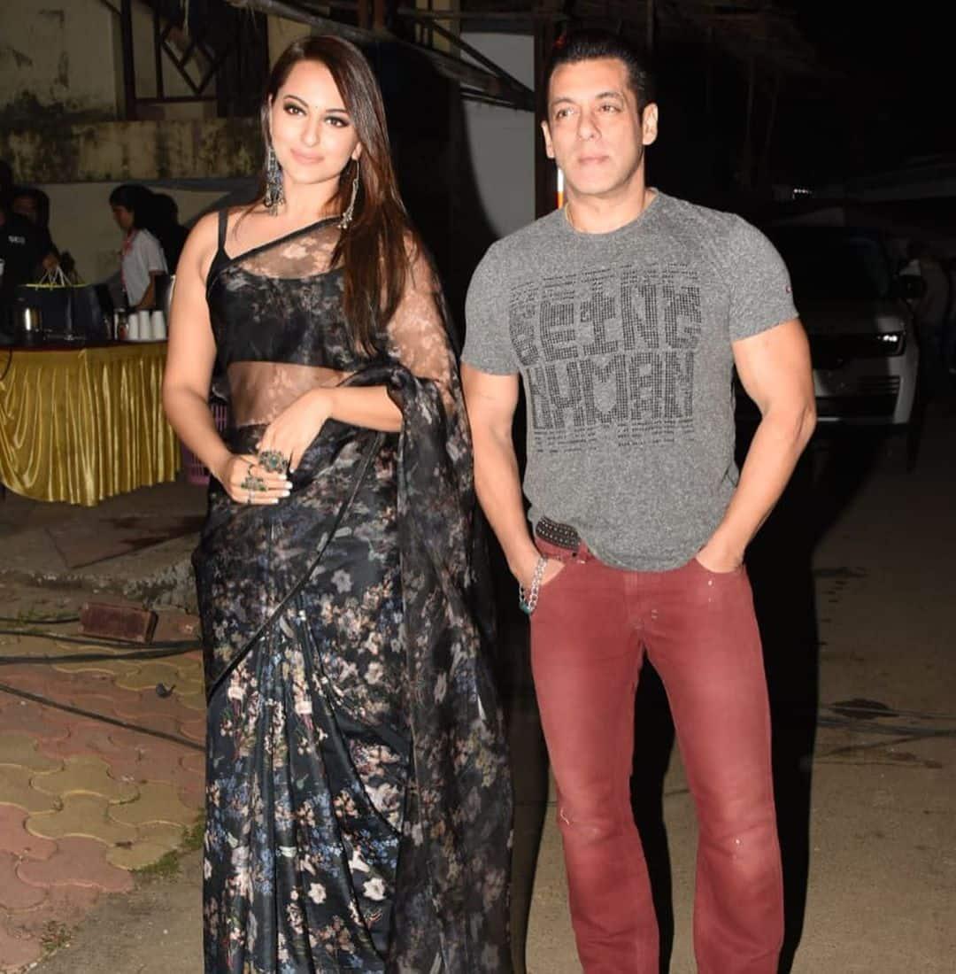 "Sonakshi Sinha Asked About Salman Khan Romancing A 21-Year-Old Saiee Manjrekar, She Says ""If I Was 50, I Would Feel Odd"""