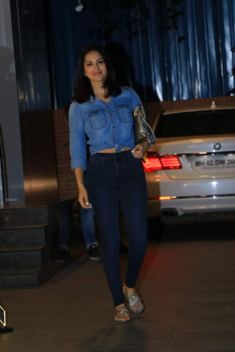Sunny Leone Turns Heads In A Casual Yet Chic Denim Outfit; Get Her Look