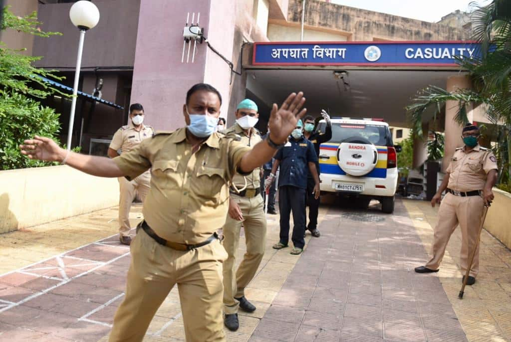 RIP Sushant Singh Rajput: Police Takes The Actor's Mortal Remains To Cooper Hospital For Post-Mortem