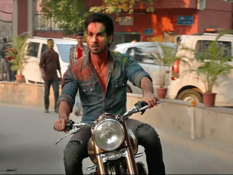 कबीर सिंह बॉक्स ऑफिस: विवादों के बीच शाहिद कपूर की फिल्म ने कमाए इतने करोड़ !