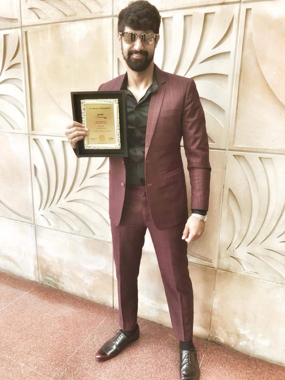 Tanuj Virwani Wins Best Emerging Actor At Iconic Achievers Awards For Inside Edge, Anupam Kher And Ranveer Shorey Win Too