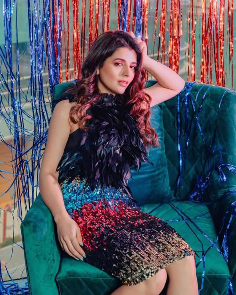 Fashion Stylist Natasha Luthra Sets The Temperature Soaring With Her Insta Looks
