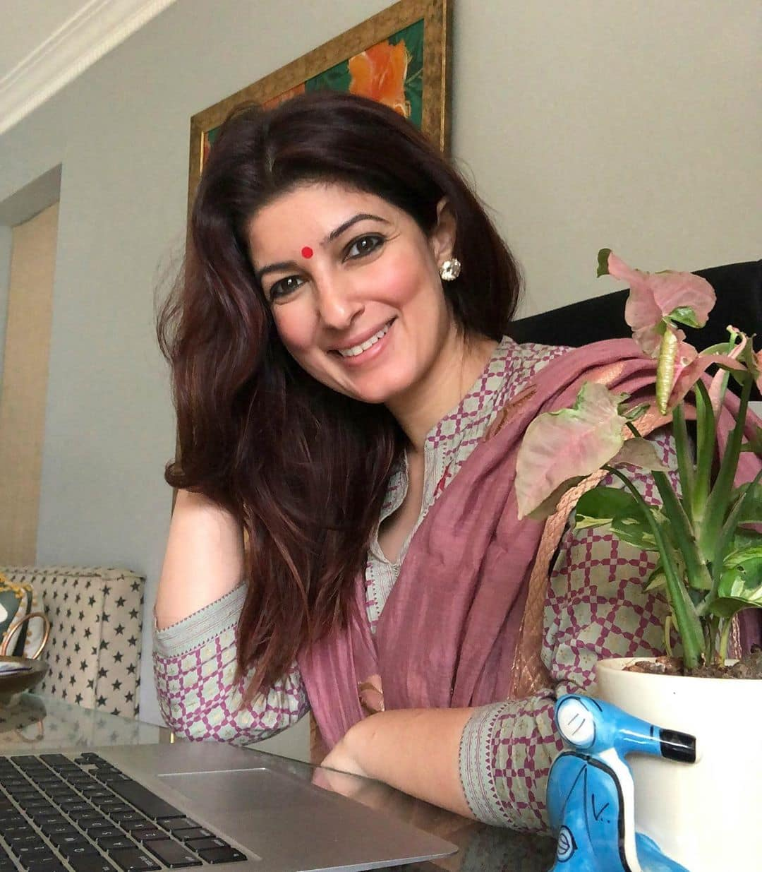 """Twinkle Khanna Condemns Violence Against Jamia Students, Says """"We Have Crawled Further Into The Dark Tunnel"""""""