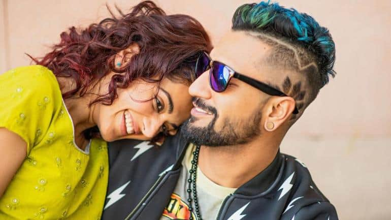 Vicky Kaushal Shares BTS Pic With Anurag Kashyap, Taapsee Pannu Remembering The Break Up Scene From Manmarziyaan