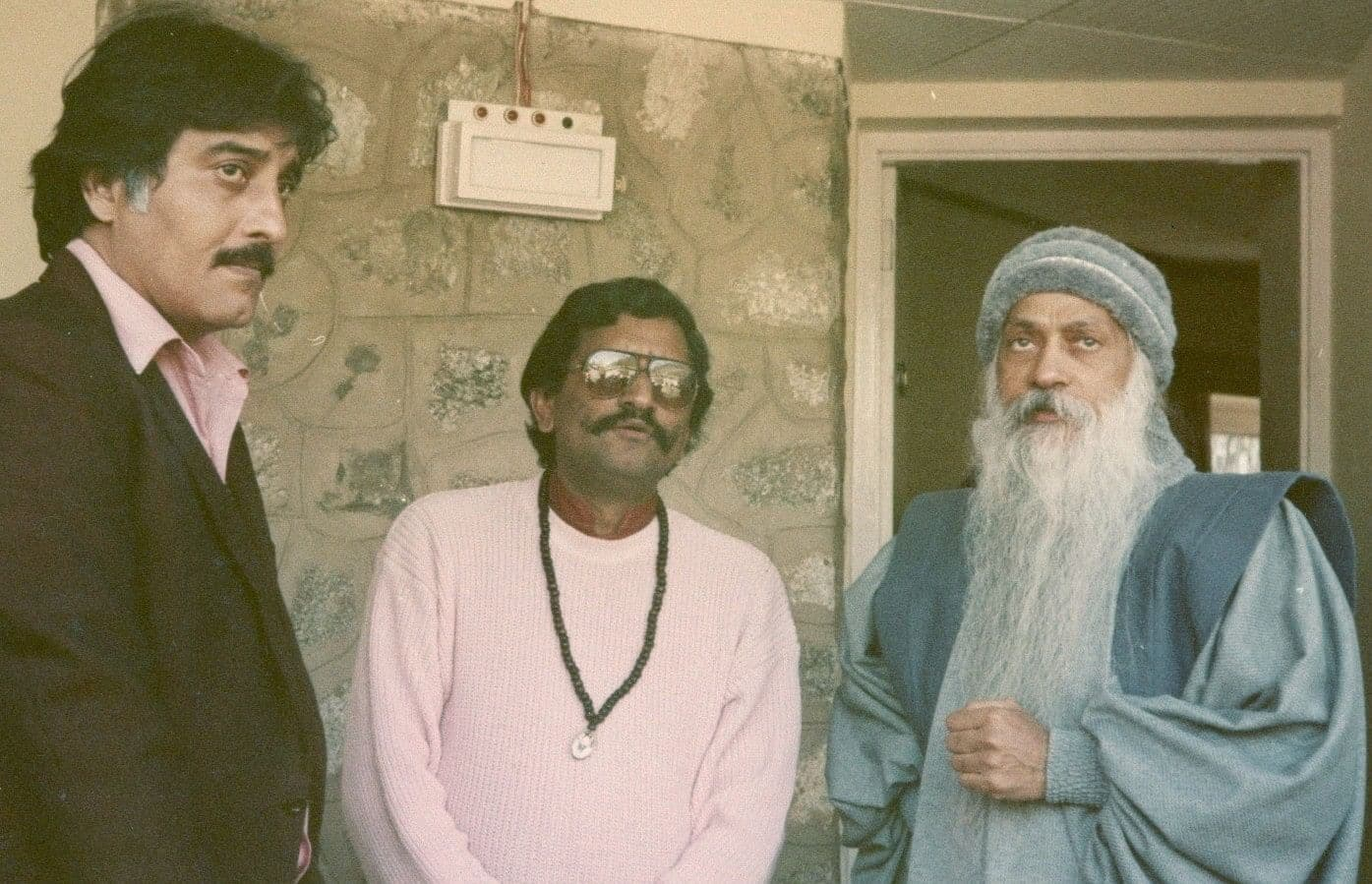 Vinod Khanna Death Anniversary: When The Actor Paid Back A Bollywood Project For Leaving It Incomplete To Join Osho