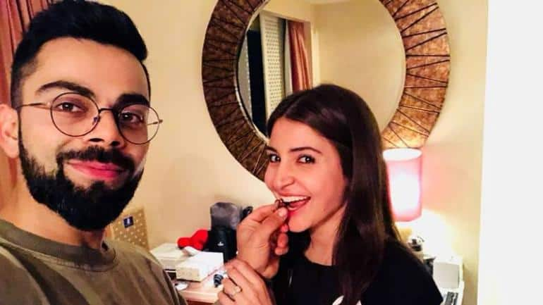Virat Kohli Just Praised Wife Anushka Sharma's Movie Zero And Twitter Was Savage In Receiving The Comment