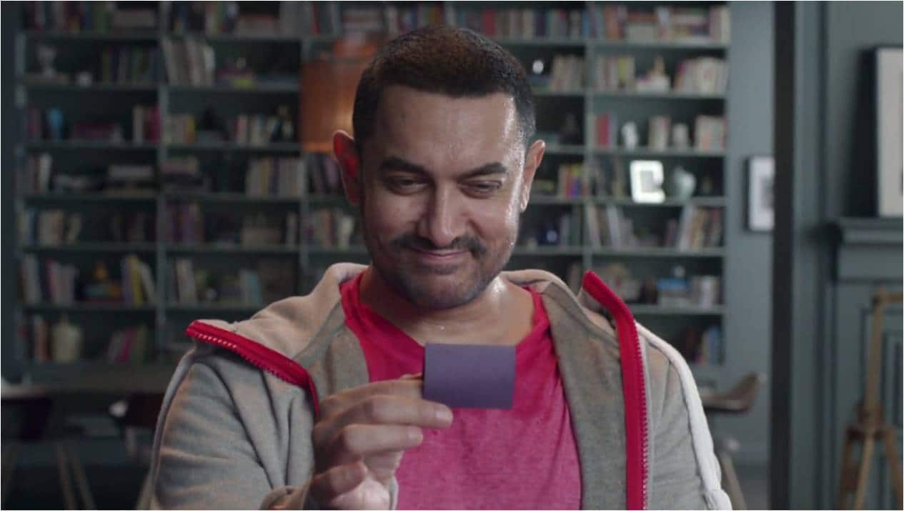 Aamir Khan Makes an Appearance in the Dangal Look - Video of the Day