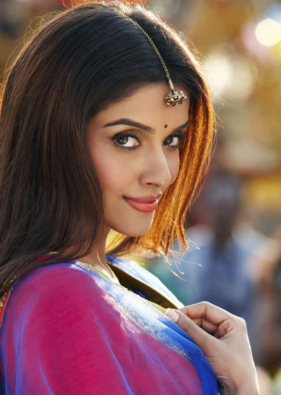 5 Reasons Why Asin Rules the 100 Crore Club