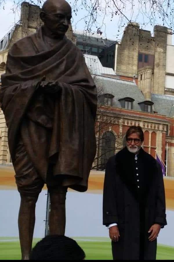 Big B Unveils Gandhi Statue at Parliament Square, London
